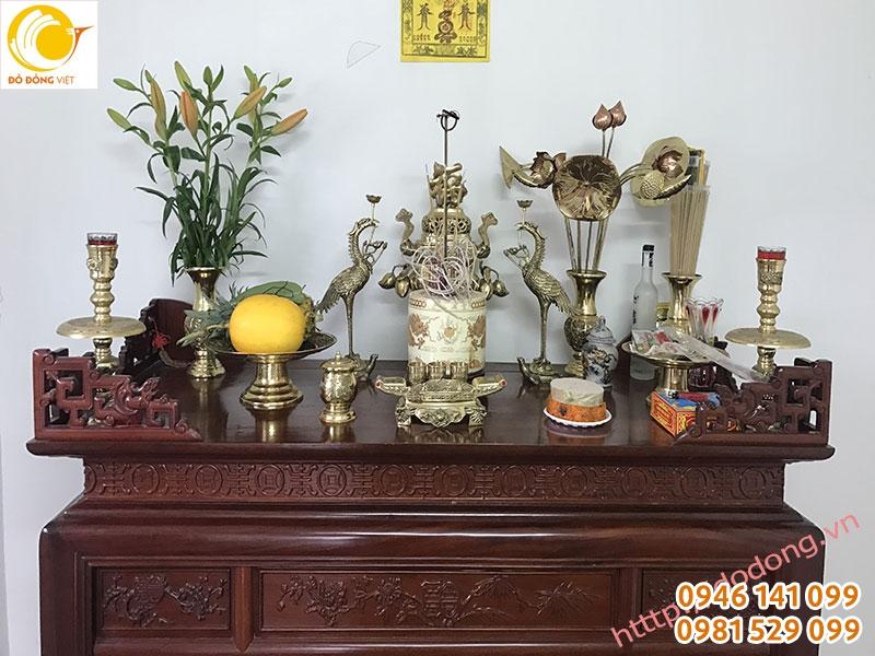 bày trí bàn thờ, cách bày bàn thờ gia tiên, đỉnh thờ