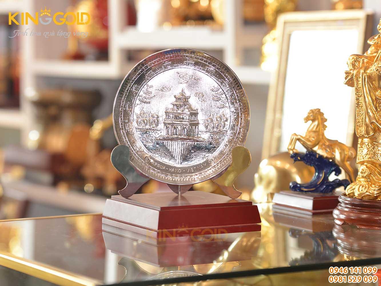 Đĩa đồng Hồ Gươm mạ bạc làm quà tặng đối tác nước ngoài