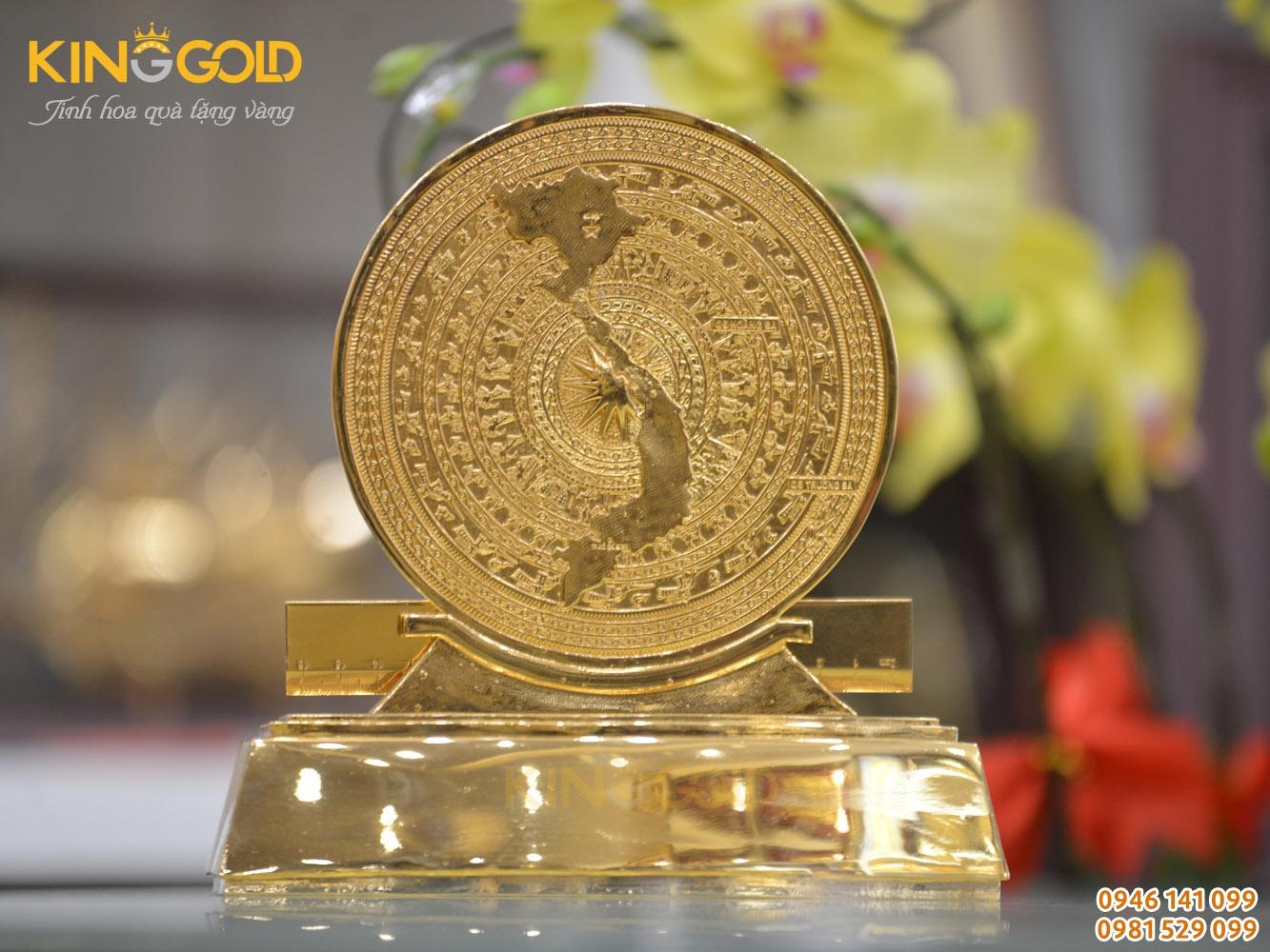 Quà tặng mặt trống đồng có bản đồ Việt Nam, đế bằng đồng mạ vàng