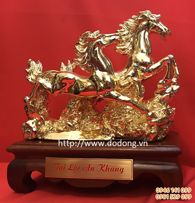 Tượng ngựa song mã mạ vàng tặng đối tác
