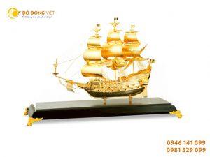 Quà tặng thuyền buồm mạ vàng 9999, quà tặng độc đáo dành cho khách nước ngoài