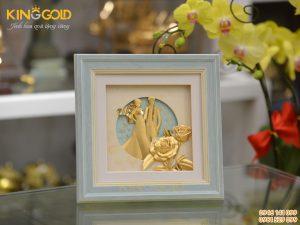 Tranh cô dâu chú rể mạ vàng làm quà cưới ý nghĩa