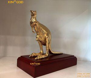 Tượng Đồng Kangaroo Mạ Vàng 24 K – Quà Tết Canh Tý 2020