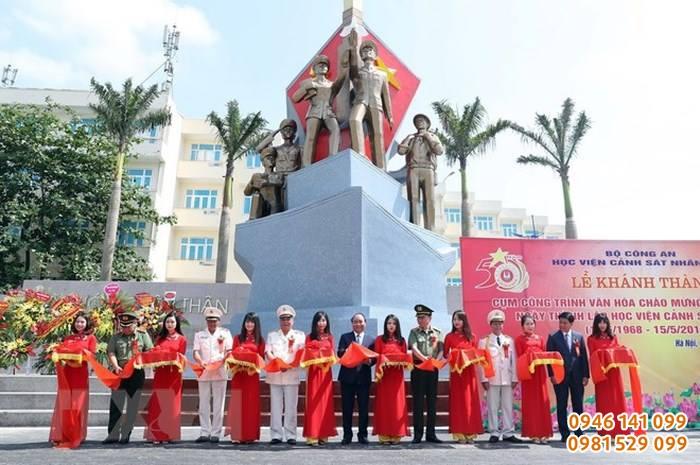 Khánh thành tượng các thế hệ chiến sỹ HVCSND chào mừng 50 năm