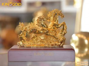 Tượng song mã bằng đồng mạ vàng, giá bán tượng linh vật phong thủy