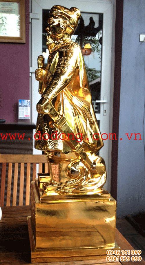 Tượng mạ vàng là món àu biếu sang trong nhất hiện nay