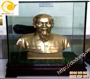 Tượng chân dung bán thân Bác hồ 60 trong hộp kính